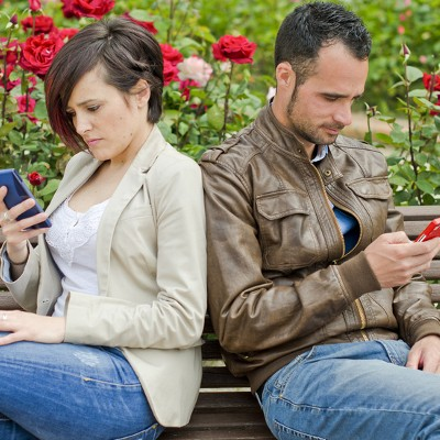 7 Signs of Smartphone Addiction: Can You Even Put Your Phone Down?